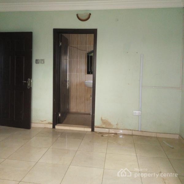 Luxury 2 Bedroom Flat, Ayinke Street, Akoka, Yaba, Lagos, Flat for Rent