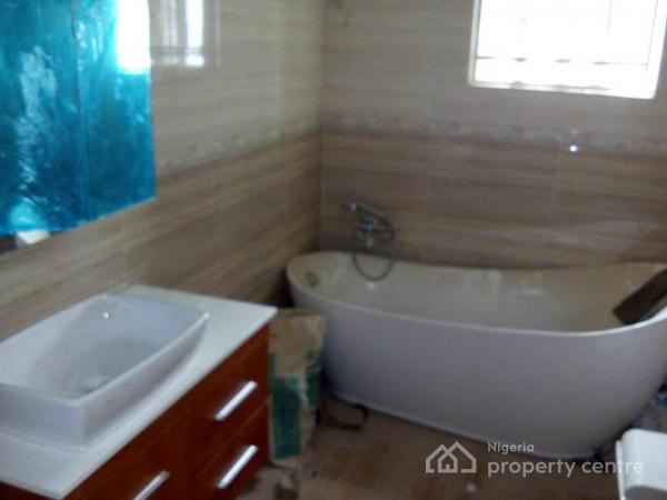 Luxury 5 Bedroom Duplex with 2 Rooms Bq, Alalubosa Gra, Alalubosa, Ibadan, Oyo, Semi-detached Duplex for Sale