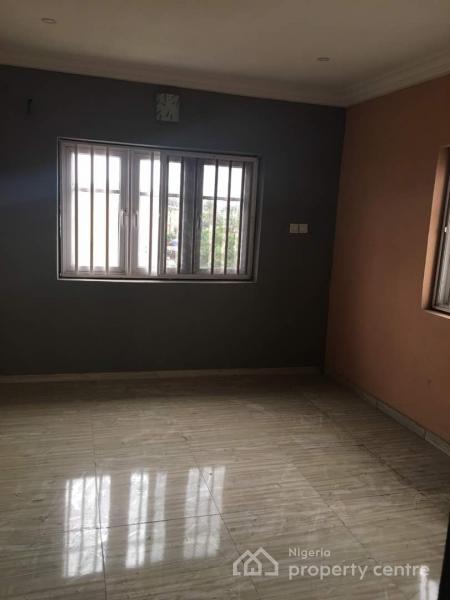 Brand New and Luxury 3 Bedroom Apartment, Iponri Estate, Iponri, Surulere, Lagos, Flat for Sale