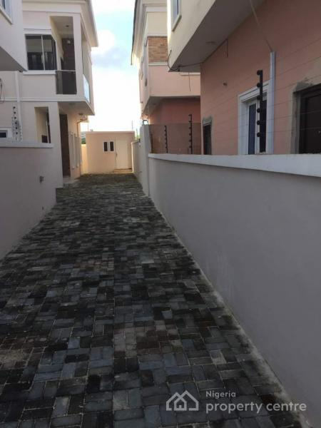 Lovely 5 Bedroom Fully Detached House in, Oral Estate, After The 2nd Toll Gate, Before Ikota, Lekki Expressway, Lekki, Lagos, Detached Duplex for Sale