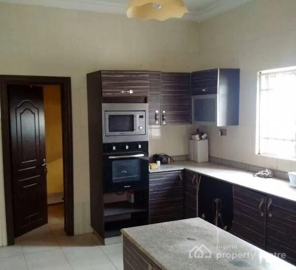 Duplex Housing For Rent: For Rent: 4 Bedroom Duplex, Shangisha Phase 2, GRA, Magodo