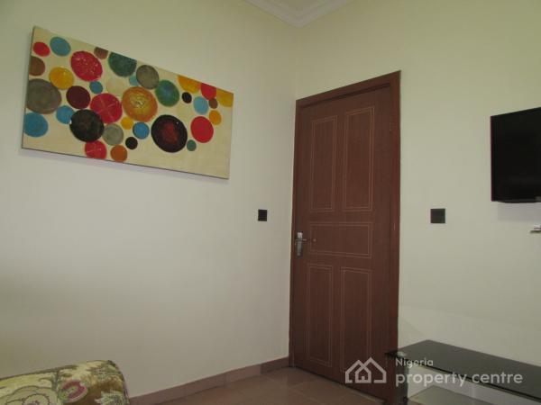 Cozy and Comfortable One Bedroom Flat, Off Admiralty Way, Lekki Phase 1, Lekki, Lagos, Mini Flat Short Let
