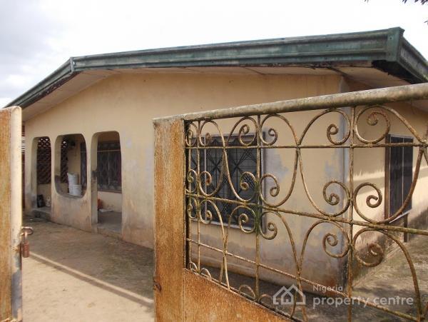 6 Bedroom Bungalow, Michael Abraham Street, Uyo, Akwa Ibom, Detached Bungalow for Sale