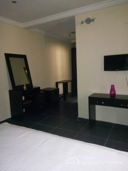 Lovely and Well Maintained 4 Units of 3 Bedroom and 2 Units of 2 Bedroom Penthouse with a Room Bq Each, Lekki Right, Lekki Phase 1, Lekki, Lagos, Flat for Rent