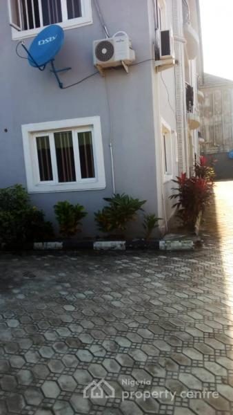 For Rent: 3 Bedroom Flat , By Green Springs , Awoyaya