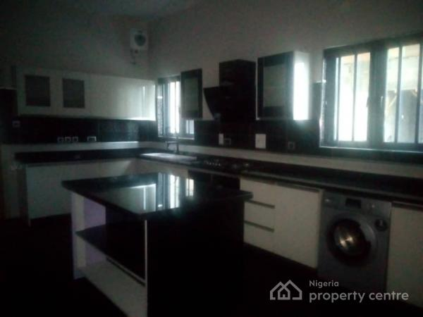 Upscale 5 Bedroom Duplex/1 Room Bq, Lekki Phase 2, Lekki, Lagos, Detached Duplex for Sale