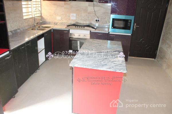 3 Bedroom Serviced Flat, Off Admiralty Way, Lekki Phase 1, Lekki, Lagos, Flat for Rent