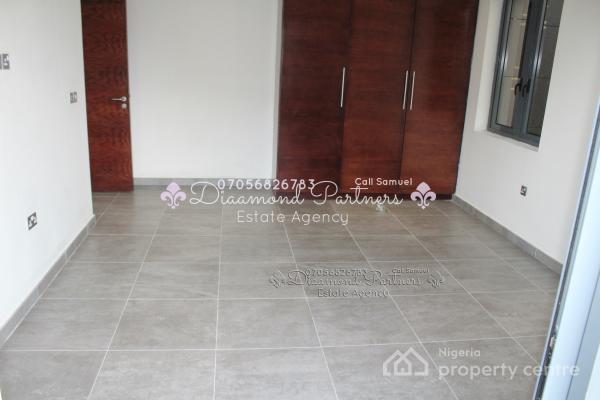 2 Bedroom Serviced Flat 24hr Light + Bq, Lekki Phase 1, Lekki, Lagos, Flat for Rent