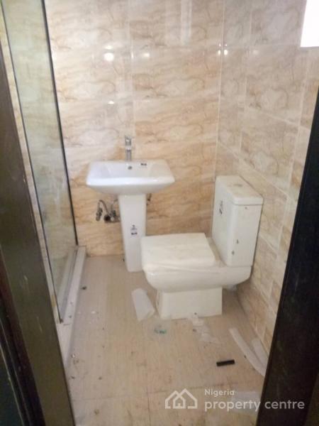 Cosy 2 Bedroom Flat, Off Orchid Hotel Road, Lafiaji, Lekki, Lagos, Flat for Sale
