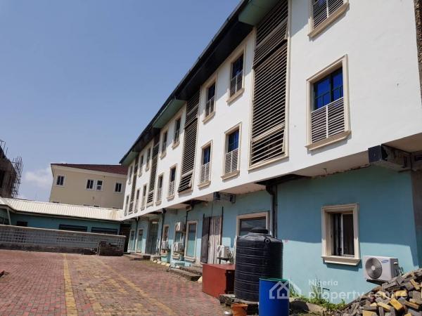 30 Rooms Hotel, Lekki Right By Maruwa, Lekki Phase 1, Lekki, Lagos, Hotel / Guest House for Sale