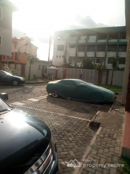 4 Bedroom Duplex   with Modern Facilities, Abiuowa Estate Connal Rd, Alagomeji, Yaba, Lagos, House for Sale