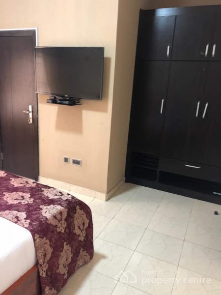 24hrs Light 3 Bedroom Flat, Around Lbs, 1min Drive After Abraham Adesanya, Before Sangotedo, Olokonla, Ajah, Lagos, Flat Short Let