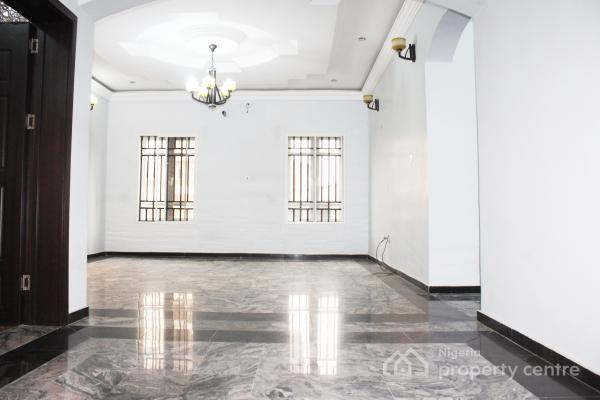 2 Bedroom Flat with 24hr Light, Lekki Phase 1, Lekki, Lagos, Flat for Rent