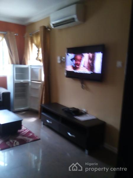 Lovely Apartment, Off Emmanuel Keshi Street, Gra, Magodo, Lagos, Mini Flat Short Let