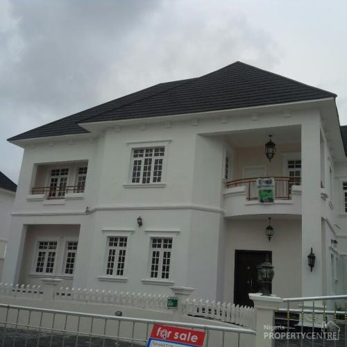 5 Bedroom White House Mansion With Swimming  Pool At The Exclusive Carlton Gate Estate,lekki., Lekki, Lagos, 5 Bedroom House For Sale