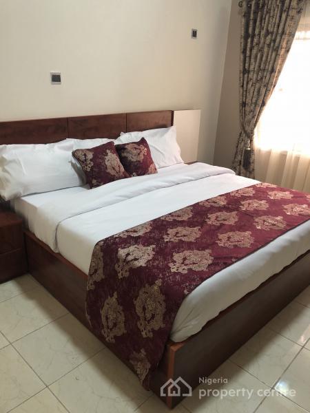 Amazing Grace Apartment, 2, Bawo Oritsejafor Street, Beside Lagos Business School, Abraham Adesanya Estate, Ajah, Lagos, House Short Let