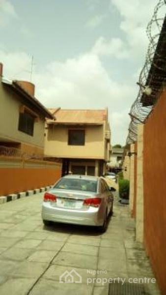 Mini Estate, Gbagada Phase 2, Gbagada, Lagos, Block of Flats for Sale