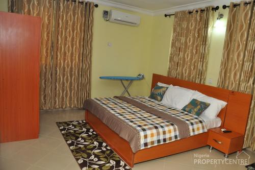 For Rent Fully Furnished And Serviced 1 Amp 2 Bedroom