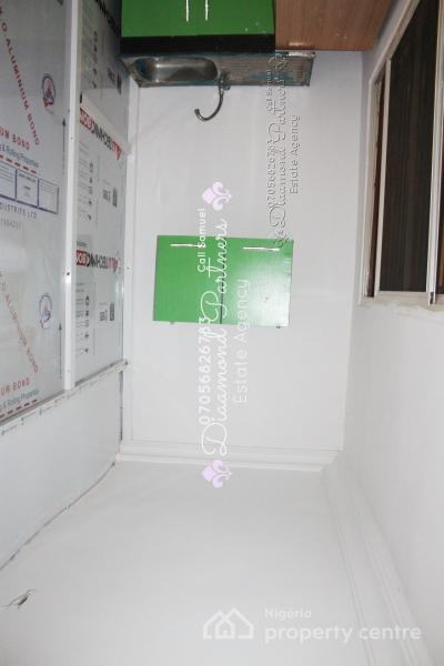 Big Self Contained Flat, 40 Sqm, Lekki Phase 1, Lekki, Lagos, Self Contained (single Rooms) for Rent