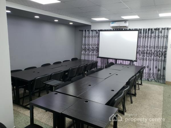 Hantek Digital Training Space, 52a Ikorodu Road, Jibowu, Yaba, Lagos, Conference / Meeting / Training Room for Rent