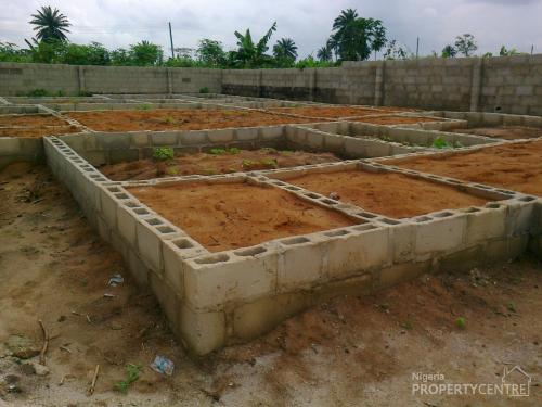 For Sale 1 Plot Of Land With Uncompleted Twin Flat