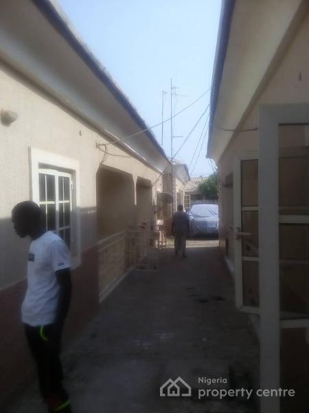 6 Units 2 Bedrooms Apartments, Abacha Road Area, Karu, Nasarawa, Semi-detached Bungalow for Sale