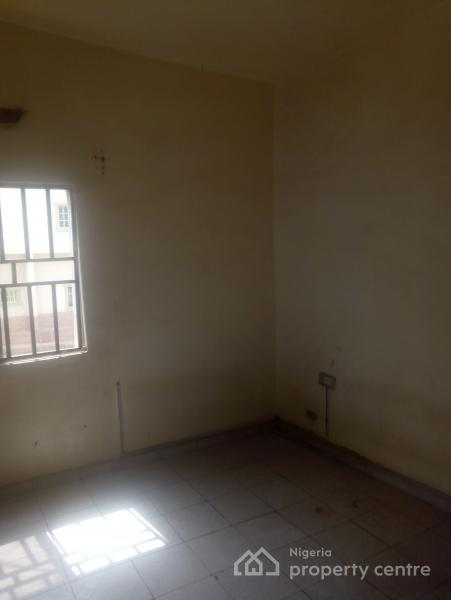 Self Contained, Utako, Abuja, Self Contained (single Rooms) for Rent