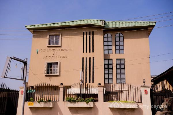 a 2 Storey Hospital Building, Barikisu Iyede Street, Onike, Yaba, Lagos, Commercial Property for Sale