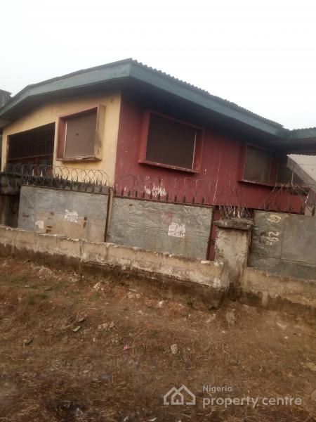 School Hostel Rooms, 4 Overcomers Street, Off Faulks Road, Aba, Abia, House for Rent