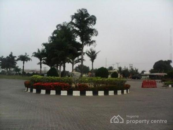 3 Bedrooms Bungalow Within Large Compound for Sale in Mayfair Gardens Estate - Distress Sale !!, Mayfair Gardens Estate,, Awoyaya, Ibeju Lekki, Lagos, Semi-detached Bungalow for Sale