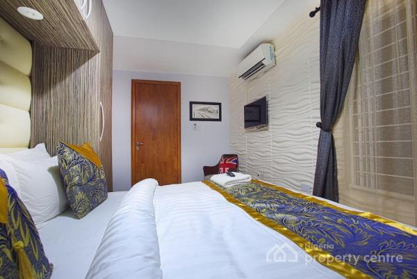 Luxury 2 Bedroom Apartment, Off Adebayo Doherty, Lekki Phase 1, Lekki, Lagos, Flat Short Let