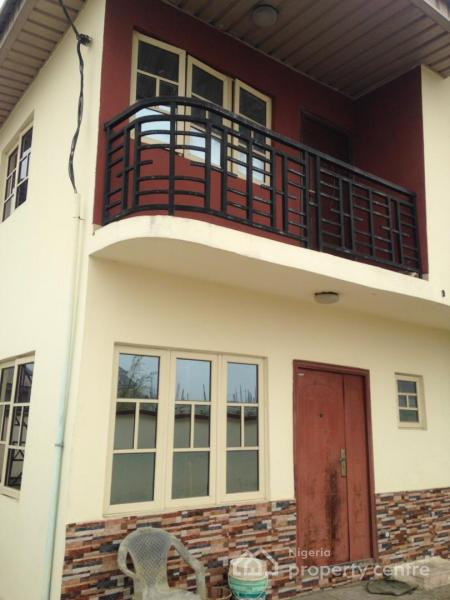 3 Bedroom Duplex House With Swimming Pool In 200 Sq Yards: For Rent: Lovely 3 Bedroom Duplex With Fitted Kitchen