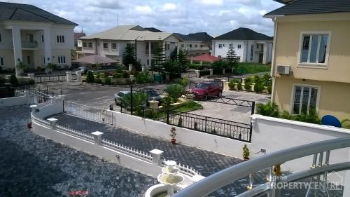 For Sale 5 Bedroom Detached House With Swimming Pool Chevron Drive Calton Gate Estate Lekki