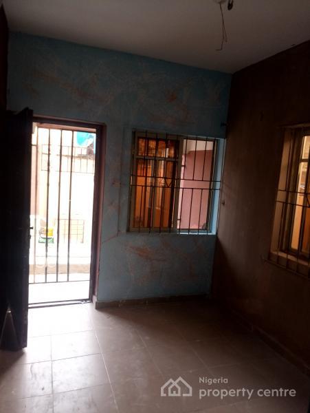 a Fairly Used and Thoroughly Renovated Mini Flat, Off Bajulaiye Road, Bariga, Shomolu, Lagos, Flat for Rent