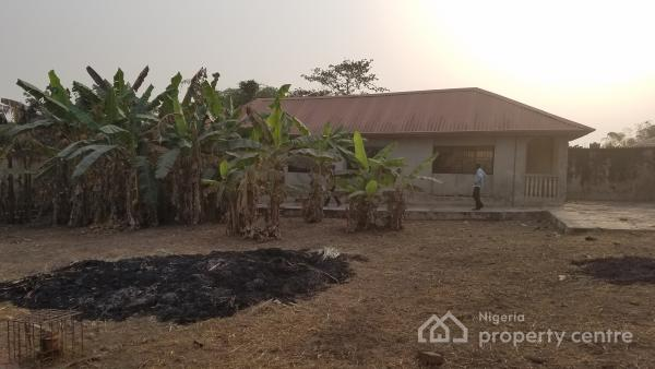 Ensuite 2 Bedroom Bungalow On 764 99sqm With 550sqm Vacant