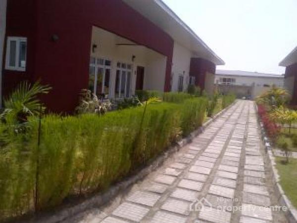 Fantastic Serviced 4bedroom Semi Detached Bungalow, Off Orchid Hotel Road, Lekki Expressway, Lekki, Lagos, Semi-detached Bungalow for Rent