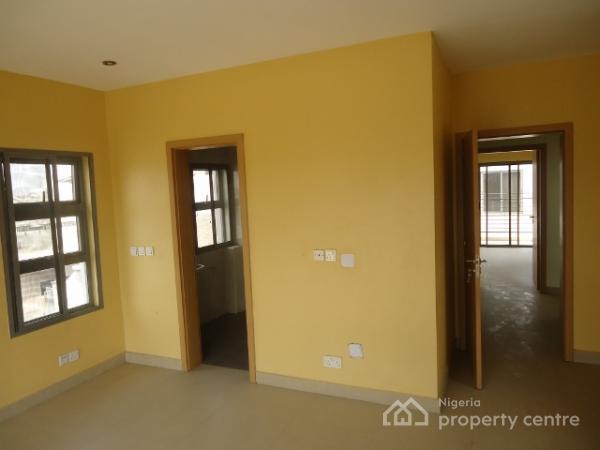 4 Bedroom Semi-detached Duplex with Essential Facilities, Off Oriwu Street (lekki-right), Lekki Phase 1, Lekki, Lagos, Semi-detached Duplex for Sale