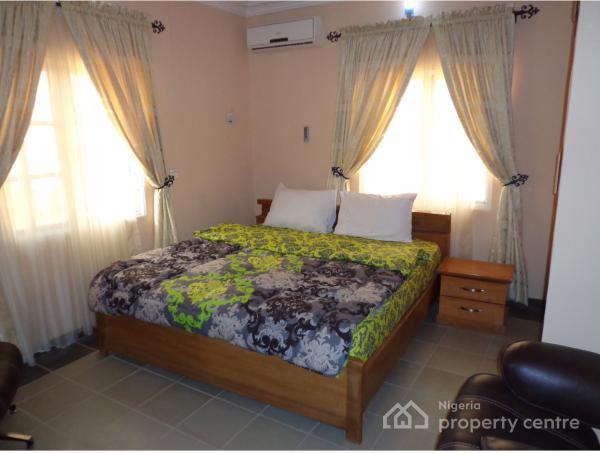 Chester Apartment, 1st Avenue, Gwarinpa Estate, Gwarinpa, Abuja, Flat Short Let
