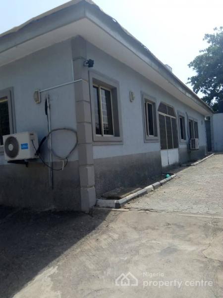 4 Bedroom Detached Bungalow, Off Mobundo Street, Zone 2, Wuse, Abuja, Detached Bungalow for Rent
