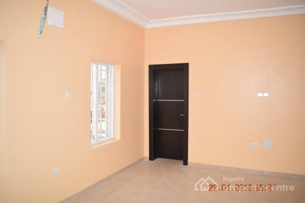 Tastefully Finished 3 Bedroom Flat, Off Mobil Estate Road, Ilaje,  Maroko, Ilaje, Ajah, Lagos, Flat for Rent