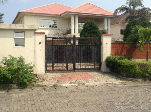 For Sale A 5 Bedroom 2 Boys Quarters Grand House 1000
