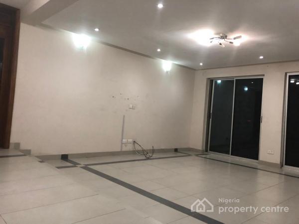 Luxury 3 Bedrooms with Maid Quarters, Ty Danjuma/senrolu Street, Victoria Island (vi), Lagos, Flat for Rent