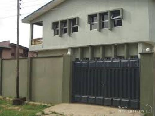 For Rent: 2 Flats Of 3 Bedrooms Flat, 11 Alexander Estate