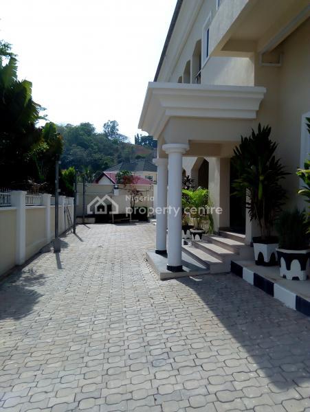 5 Bedrooms Detached Duplex with 2 Rooms Servant Quarters, Off Alvan Ikoku Way, Maitama District, Abuja, Detached Duplex for Rent