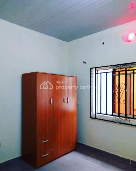For Rent: Newly Built 1 Bedroom Flat With 2 Toilet, Queens