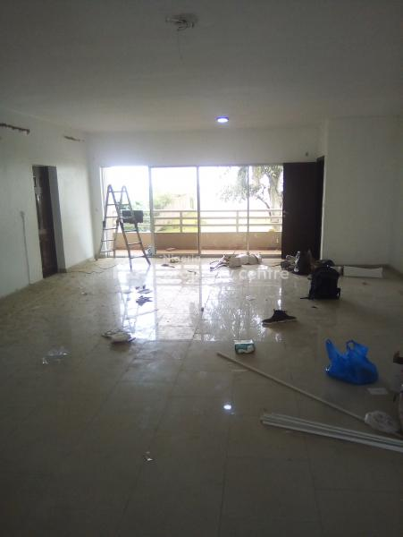a Fully Serviced and Spacious 3 Bedroom Flat, Off Admiralty Road, Lekki Phase 1, Lekki, Lagos, Flat for Rent