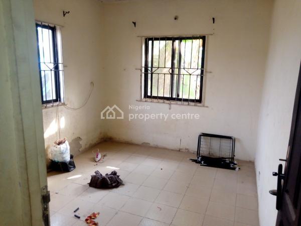 2 Bedroom Flat, Idiroko Bus Stop, Off Elepe, Ijede Road, Ikorodu, Lagos, Flat for Sale