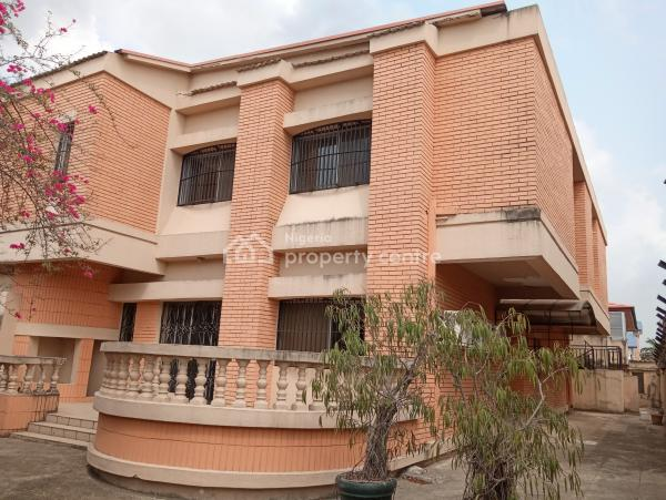 Lovely and Well Maintained 5 Bedroom Semidetached Duplex with 2 Rooms Bq, Fitted Kitchen,etc., Off Admiralty Way, Lekki Phase 1, Lekki, Lagos, Semi-detached Duplex for Rent