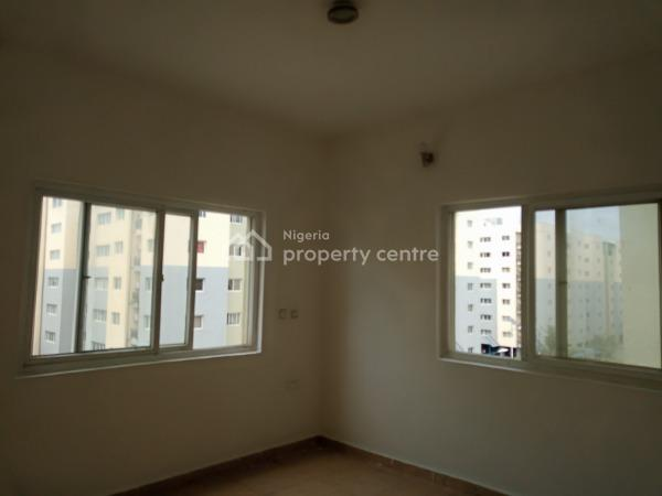 Lovely 3 Bedroom Flat with Bq in a Fully Serviced Estate with Pool, Lekki, Lagos, Flat for Rent