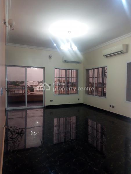 5 Bedroom Luxury Flat + 1 Room Furnished Bq, Via Herbert Macaulay Off Montgomery, Yaba G. R.a, Sabo, Yaba, Lagos, Flat for Rent